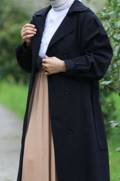 Emin Elif Butik   Tesettür Giyim Modelleri Uygun Fiyatlarla Muslim Fashion, Raincoat, Fashion Dresses, Jackets, Rain Jacket, Fashion Show Dresses, Down Jackets, Trendy Dresses