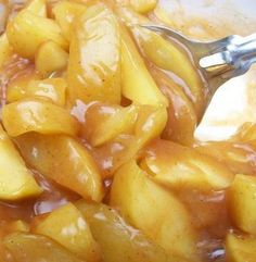 Cracker Barrel Fried Apples Ingredients 2 cups apple juice, plus 1/2 cup apple juice 4 large apples, golden delicious with peel, cut 1/2 inch wedges 3 tablespoons cornstarch 1 teaspoon apple pie spice 4 tablespoons sugar