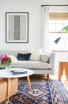 modern boho living room decor with boho pillows and boho rug and modern art Dekoration Wohnung - Schoolhouse Living: Francois et Moi Home Tour Eclectic Living Room, Boho Living Room, Home Interior, Interior Design Living Room, Living Room Designs, Living Room Decor, Living Room Carpet, Cozy Living, Scandinavian Interior