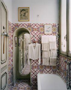 bathroom in Mollino's house in Turin