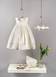 Ecru gathered dress composed by three fabrics (muslin polka dots, embroidered organza, embroidered cotton voile) Ecru elastic band with bow in polka dot muslin and ribbon Ecru romantic bonnet hat from organza and muslin embroidered polka dots Baby Girl Dresses, Girl Outfits, Flower Girl Dresses, Baby Girl Fashion, Kids Fashion, White Baby Dress, Baptism Outfit, Girl Christening, Dress Patterns