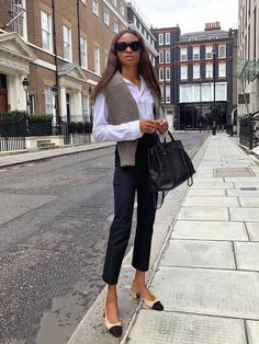 Estilo Preppy Chic, Preppy Style, Running Errands Outfit, Spring Outfits, Work Outfits, Summer Interview Outfits, Interview Style, Blazer Outfits, Work Attire