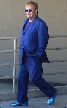 Elton John looking good in blue, blue HTC one would match perfectly with the shoes  #HTCOneBlue #isthiswhattheymeanbyblues
