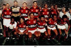 C.R. FLAMENGO (1990) - CAMPEÃO COPA DO BRASIL. Em pé (da esq. p/ dir.): Júnior, Zé Carlos, Rogério, Vítor Hugo, Aílton e Piá. Agachados: Renato Gaúcho, Gaúcho, Bobô, Zinho e Uidemar.