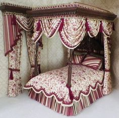 2015 DOLLHOUSE BEDSETS 1 Miniature Furniture, Dollhouse Furniture, Dollhouse Interiors, Dollhouse Miniatures, Canopy Bedroom Sets, Bedding Sets, Victorian Bed, Curtains And Draperies, Barbie