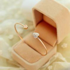 Rose Gold Heart Bracelet || $7