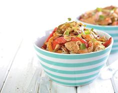 Singer Andriëtte Norman shares her recipe for easy Thai chicken with us Asian Recipes, Ethnic Recipes, Thai Chicken, English Food, Chinese Food, No Cook Meals, Japchae, Norman, Recipies