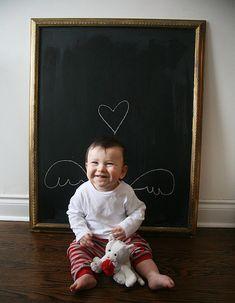 Bebeklerimizin fotoğraflarını çekerken ne kadar eğleniriz, değil mi? Yavrularımızın her anı ayrı güzel ve özeldir. Bu yüzden biz ebeveynler...