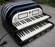 Hohner Multimonica II : retro designed music store organ69