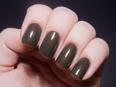 Contrary Polish Creeping Moss from The Original Six collection