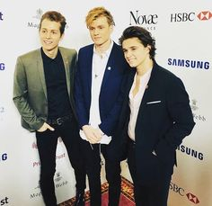 so amazing!! they are so beautiful...But I miss my baby con :(