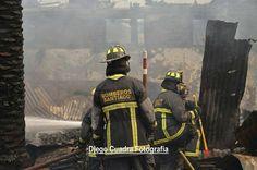 FEATURED POST   @diegocuadrafp -  Bomberos del @cbs1863  trabajando en 3ra alarma de incendio. Visita mi página en la descripción de mi perfil para mas fotos o videos #DCF .  ___Want to be featured? _____ Use #chiefmiller in your post ... http://ift.tt/2aftxS9 . CHECK OUT! Facebook- chiefmiller1 Periscope -chief_miller Tumblr- chief-miller Twitter - chief_miller YouTube- chief miller .  #firetruck #firedepartment #fireman #firefighters #ems #kcco  #brotherhood #firefighting #paramedic…