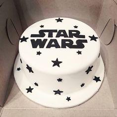 Star Wars Cake - Star Wars Cake - Ideas of Star Wars Cake - Star Wars Cake wars torten Star Wars Cake Toppers Star Wars Party, Star Wars Birthday Cake, 21st Birthday, Birthday Cakes, Birthday Gifts, Star Wars Cake Toppers, Star Wars Cake Decorations, Bolo Star Wars, Aniversario Star Wars