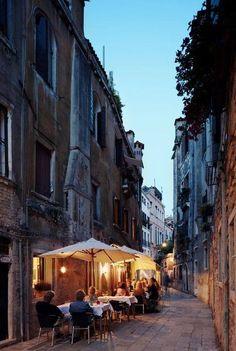 BURANO - Italy Art & Architecture