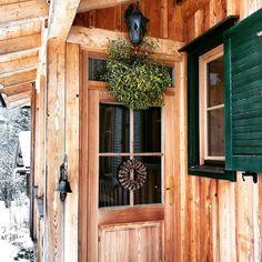 Meet me under the mistletoe Under The Mistletoe, Air B And B, Sweet Home, Christmas Decorations, Meet, House Beautiful, Christmas Decor, Ornaments, Christmas Baubles