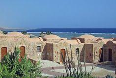 Egitto-Mar Rosso  EL QUSEIR  Struttura originale costruita in tipico stile nubiano, il Moevenpick Resort El Quseir è consigliato a chi cerca una vacanza dedicata al relax in un ambiente elegante e raffinato garantito dalla qualità di prodotti e servizi della catena internazionale Moevenpick.