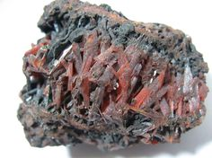 Check out the MIROFOSS database to learn many interesting facts about the mineral crocoite. The MIROFOSS database also contains articles about many other natural wonders with some great images too.