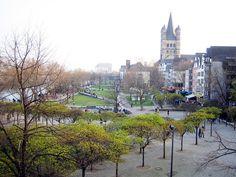 Kölner Altstadt und Rheinufer