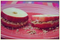 Apple Sandwiches #cleantreats, #recipes #healthy #peanutbutter #dessert #fitness