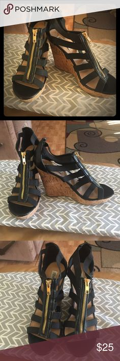 Cute Black zip up Steve Madden wedges Used but in Pristine condition Black stretchy zip up wedges with a 4.5 in heels Steve Madden Shoes Wedges