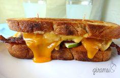 Apple & Bacon Izgara Peynirli Sandviç