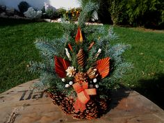 A két legfontosabb őszi ünnepünk, a mindenszentek (november 1.)… Fruit, Deco, Creative Ideas, Plants, Handmade, Xmas Ornaments, Flower Arrangements, Hand Made, The Fruit