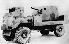 The AEC Mk.I Gun Carrier, Deacon was an improvized British tank hunter devised for the North African front, based on the AEC Matador chassis. Self Propelled Artillery, Turkish Army, Armored Truck, Tank Armor, Tank Destroyer, Tractor Parts, Big Guns, Commercial Vehicle, Armored Vehicles