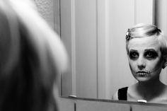 Mirror   Visit my portfolio at www.blende1.net