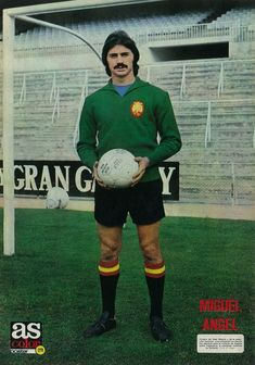 Spain goalkeeper Miguel Angel in Football Kits, Football Soccer, Football Players, Miguel Angel, Fifa, Big Moustache, Image Foot, English Football League, Best Player