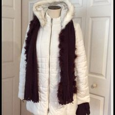"⛄️White Puffer Jacket Detachable Hood⛄️️NWOT NWOT, NEVER WORN, Detachable Hood, Faux Fur, Side Slip Pockets, Shoulder to Hem is 30"",  Scarf & Gloves not included Sold separate. Avon Jackets & Coats Puffers"