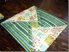how to turn some leftover scraps into something useful and pretty…something that would make an awesome hot pad for the table!