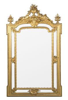 Gran espejo con marco Napoleón III en madera tallada y estuco dorados, del tercer cuarto del siglo XIX