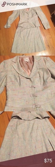 Nanette Lepore skirt suit size 2 Beautiful skirt suit. Great details with small bows on the jacket, pleats on skirts. I hate to part with this but it no longer fits. This is a unique and beautiful summer suit Nanette Lepore Other