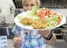 Kotlety pieczone wg założeń postu dr Dąbrowskiej są proste do przygotowania i do tego pyszne, dla każdego, nie tylko na poście! Vegan Catering, Acai Bowl, Potato Salad, Smoothie, Roast, Recipies, Mexican, Cooking Recipes, Dinner