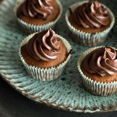 mandelmus-cupcakes-mit-espresso-frosting_featured