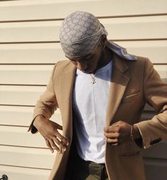 Gucci Durag & a suit 😎 Formal Men Outfit, Outfits Casual, Summer Outfits Men, Stylish Mens Outfits, Blue Chinos Men Outfits, Grey Chinos Men, Beige Chinos, Black Chinos, Burning Man Outfits