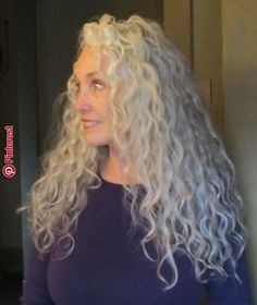 i want my hair like this one day.i want my hair like this one day. Long Silver Hair, Silver White Hair, Long Gray Hair, Silver Age, Hairstyles Over 50, Permed Hairstyles, Modern Hairstyles, Cool Hairstyles, Hairdos