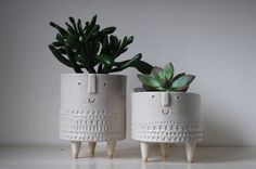 More ceramics by Atelier Stella with succulents. So adorable. I love this artists' work.