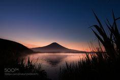 Popular on 500px : LakeTanuki and Mt Fuji by nobphoto