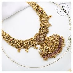 Intricate Peacock Design Temple Necklace By The Amethyst Store! Fashion Necklace, Fashion Jewelry, Bridal Jewelry, Silver Jewelry, Antique Jewelry, Antique Gold, Peacock Design, Temple Jewellery, Simple Jewelry