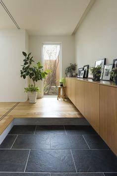 実例講座│すまいづくりのレッスン sumai smile(すまい・すまいる)~ 住まいと暮らしを学べるサイト 積水ハウス House Entrance, Fixer Upper, Interior, Room, Design, Home Decor, Bedroom, Decoration Home, Indoor