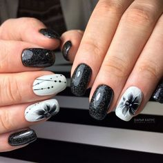 5 Simple and creative designs for nails that you will not be able to resist # Creative Nail Designs, Creative Nails, Acrylic Nail Designs, Nail Art Designs, Fabulous Nails, Perfect Nails, Cute Nails, Pretty Nails, Black White Nails