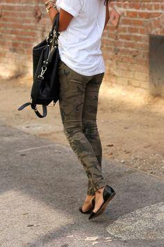 5bb41acb9a Army pants and white t shirt Roupas Casuais