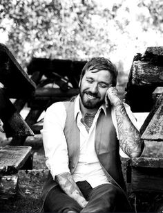 dallas green. the voice. that smile. the tattoos. love him.