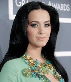 Katy Perry Grammys 2013 Hair and Makeup