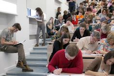 Около 150 тыс. человек написали Тотальный диктант. Некоторые новосибирцы смогли проверить грамотность во время перелета в Москву.
