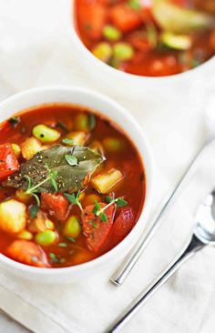 Papu-tomaatti-kasviskeitto   Reseptit   Anna.fi Aioli, Pho, Chana Masala, Soup, Ethnic Recipes, Anna, Soups