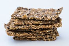 Knackebrot (Swedish crackers) – Recipes – Bite Magazine I'm so impressed how this nutritious cracker is so yummy and addictive! Healthy Crackers, Savory Snacks, Snack Recipes, Cooking Recipes, Vegan Snacks, Bread Recipes, Vegan Recipes, Savoury Biscuits, Savoury Baking