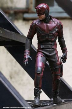 DareDevil hot toys collectible figurine - Tap The Link Now To Find The Gift Marvel Heroes, Marvel Characters, Marvel Dc, Marvel Comic Universe, Comics Universe, Comic Book Artists, Comic Books Art, Daredevil Punisher, Avengers Alliance