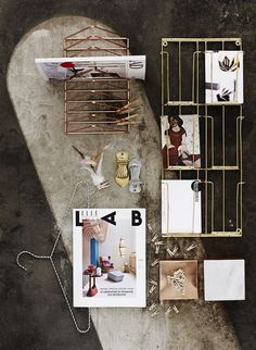 Zeitschriftenhalter in kupfer von Madam Stoltz Urban Living, Postcard Holder, Recycle Newspaper, Desk Shelves, Deco Design, Hello Gorgeous, Danish Design, Decoration, Ladder Decor